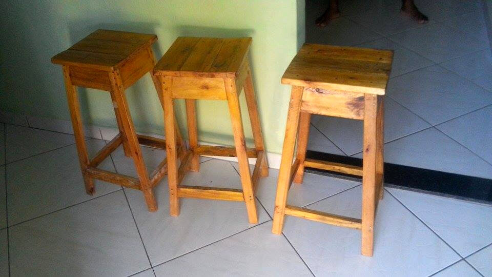 pallet made set of 3 stools
