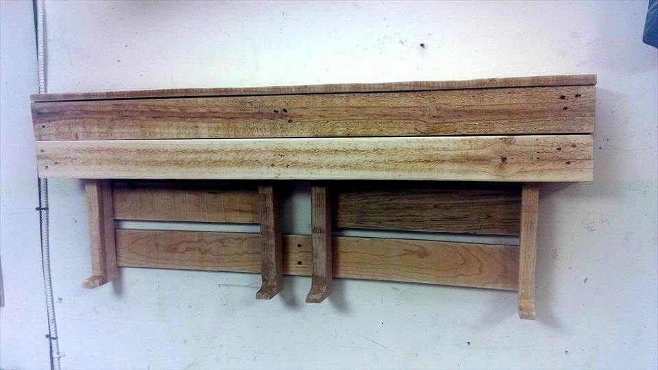 reclaimed pallet wall shelf