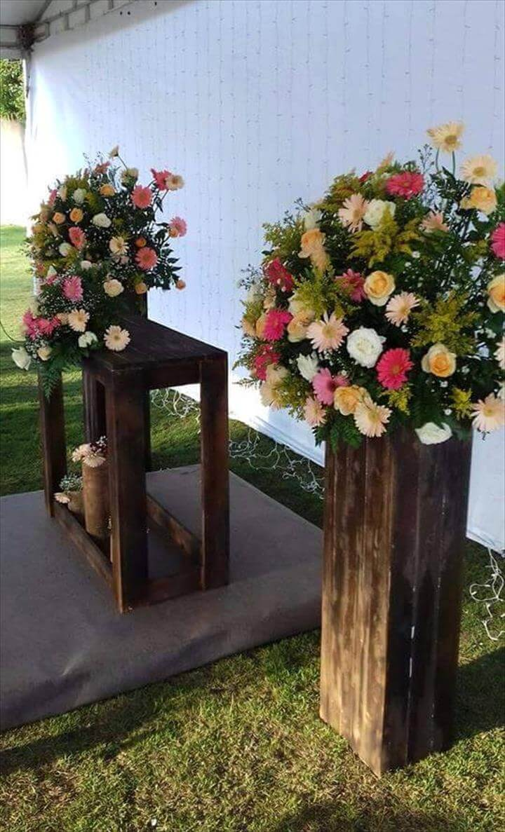 pallet wood flower decors or planters