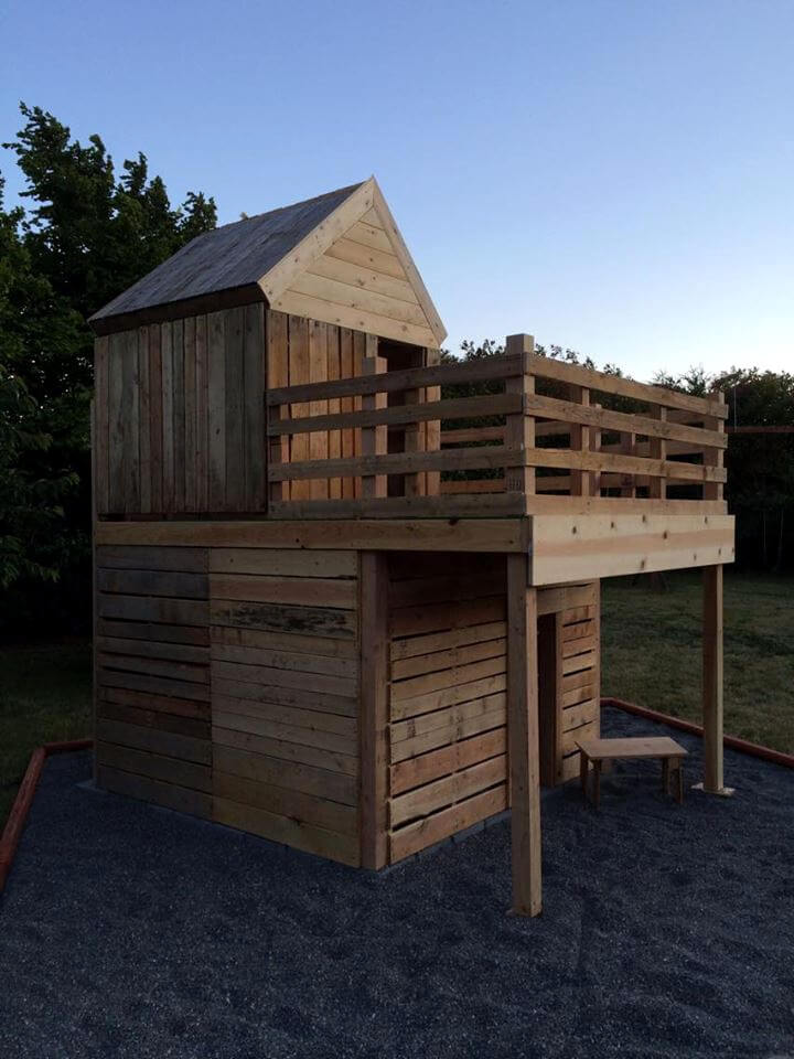Diy Pallet Playhouse For Kids Fun