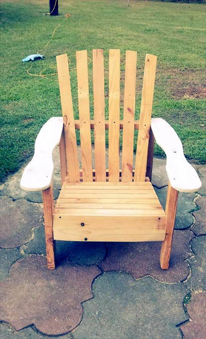 upcycled wooden pallet chair