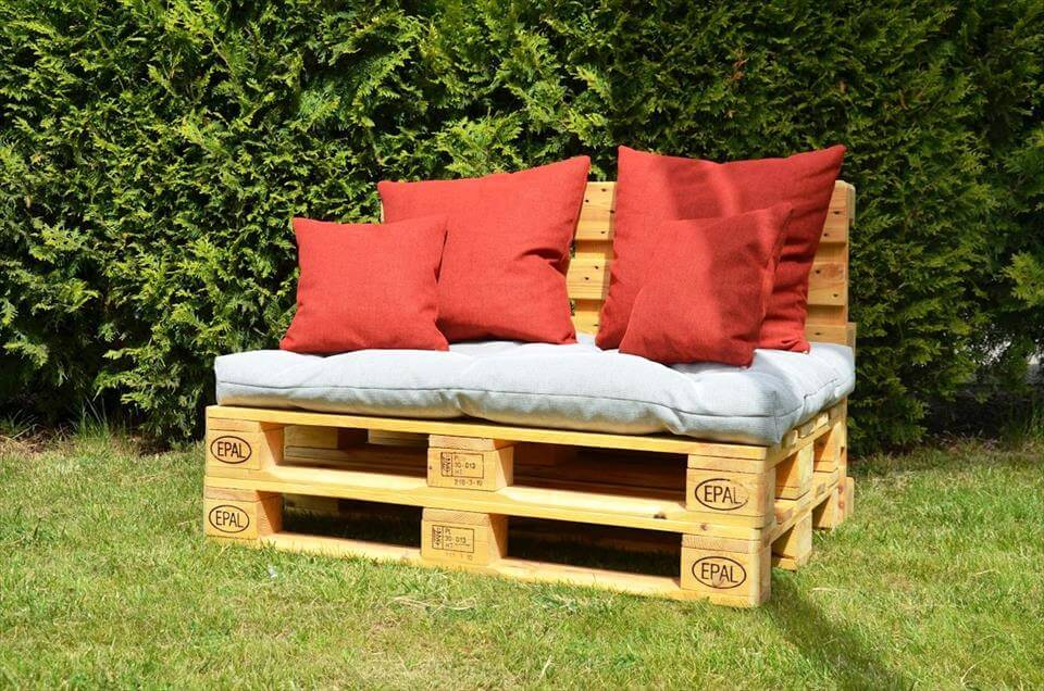 20 pallet ideas you need to do diy now 101 pallet ideas - Naturewood furniture for both indoor and outdoor sitting ...