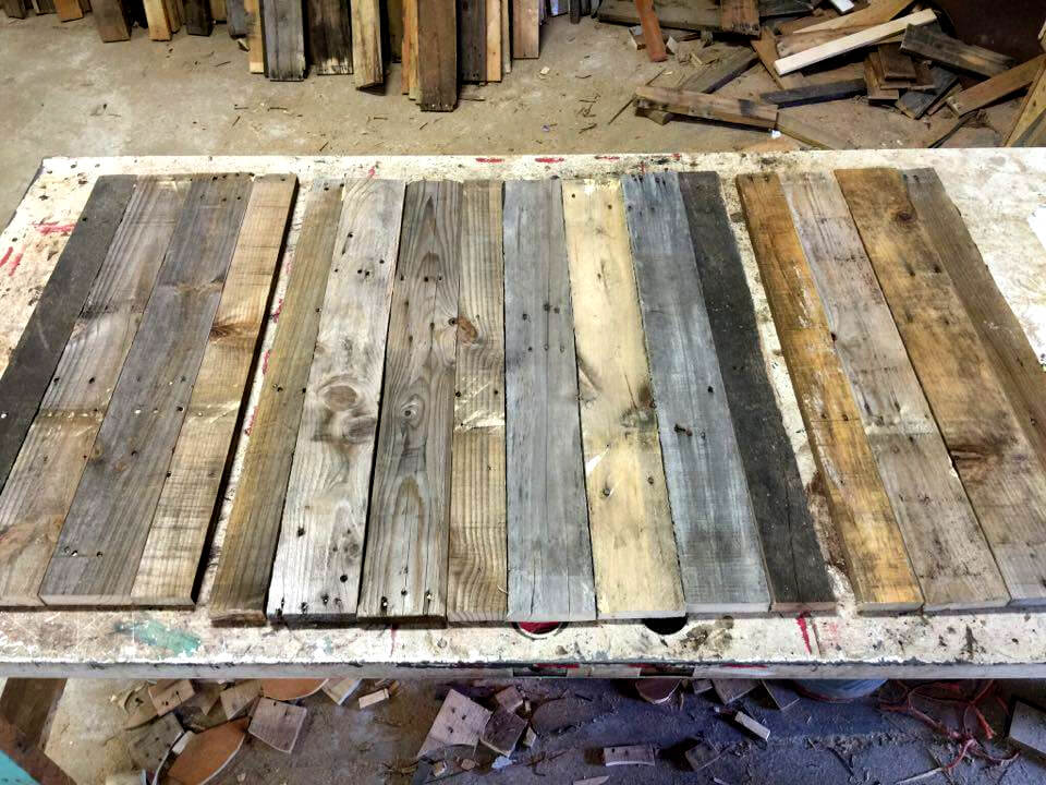 Pallet star wall art step by step 101 pallet ideas for How do you spell pallets