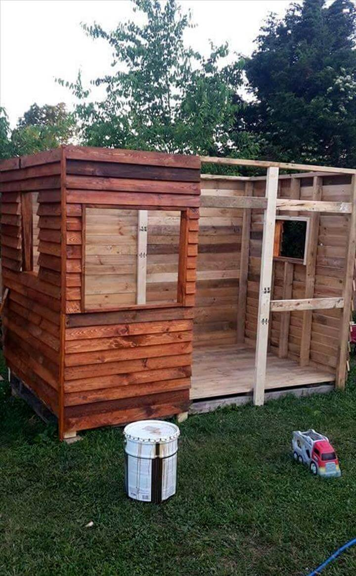 diy pallet playhouse or clubhouse 101 pallet ideas