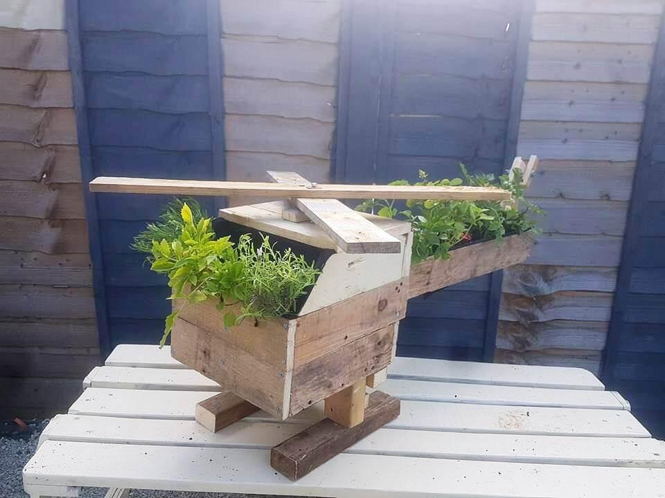 Pallet Strawberry Planter - 101 Pallet Ideas