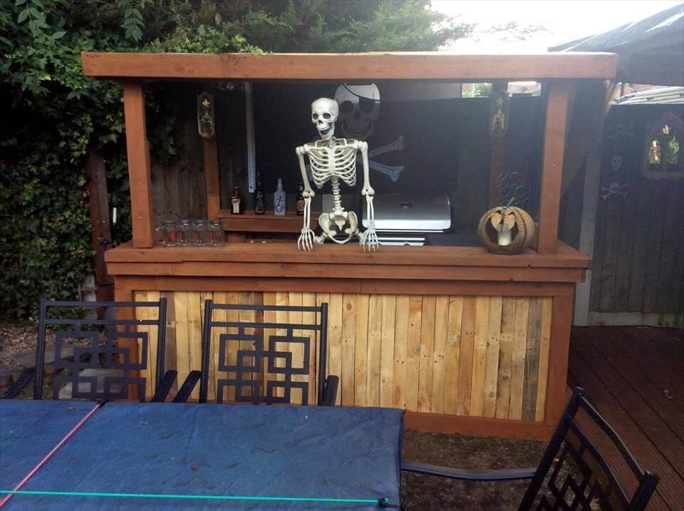 Pallet Halloween Bar – Organize your Home for Halloween Decor