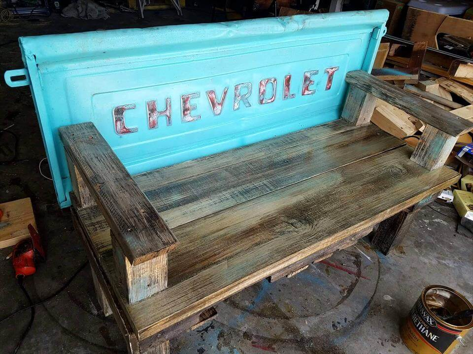 Awesome Pallet Bench with Tailgate Back