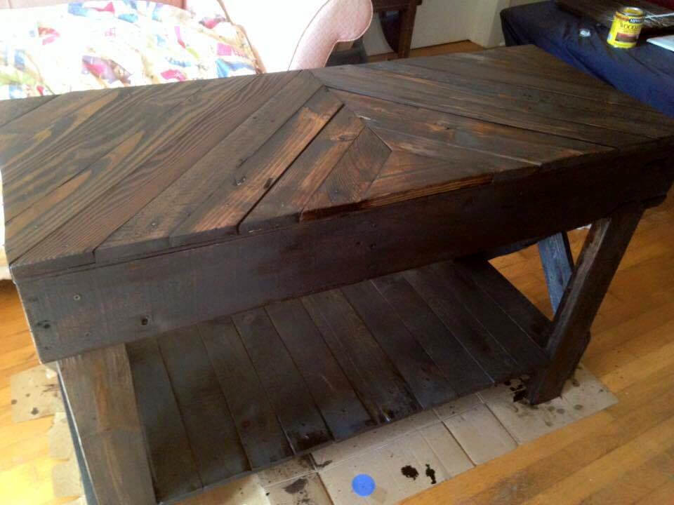 dark stained pallet chevron sofa table