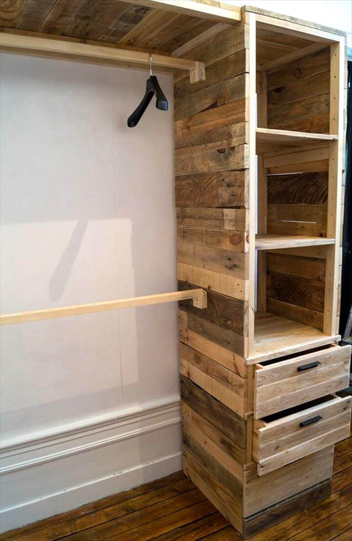 Diy Pallet Corner Closet Or Cupboard 101 Pallet Ideas