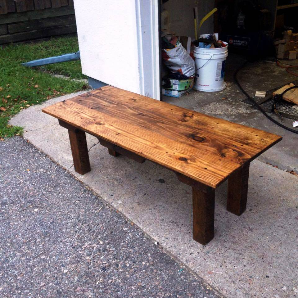 DIY Oak and Pine Pallet Table