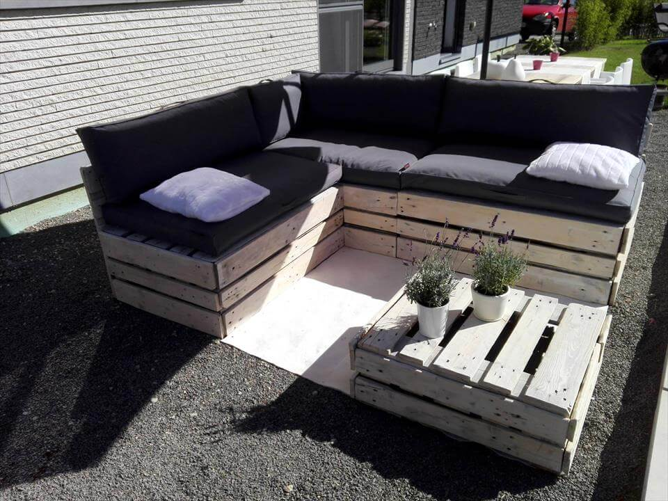 diy pallet lounge furniture set 101 pallet ideas. Black Bedroom Furniture Sets. Home Design Ideas