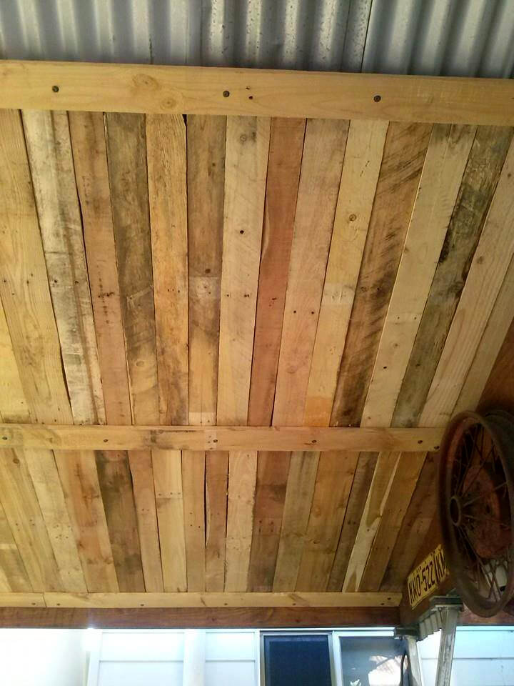 Upcycled Wood Pallet Roof - 101 Pallet Ideas