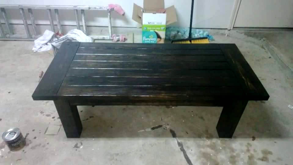 turning pallets into pallet furniture