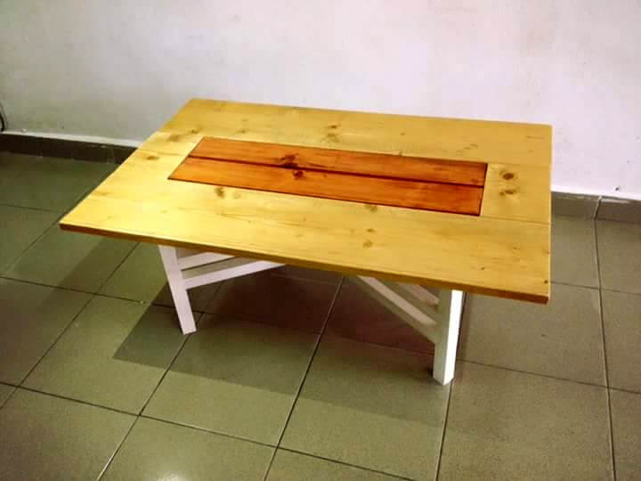 DIY Pallet Coffee Table with Removable Criss Cross Legs
