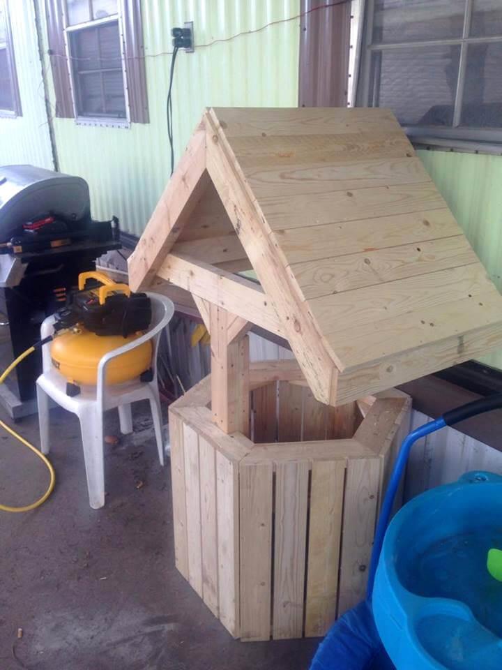 build wood pallet wishing well, Garden idea