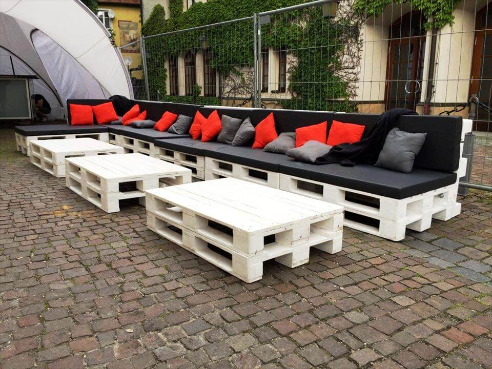 Large Pallet Sofa Set for Outdoor Seating