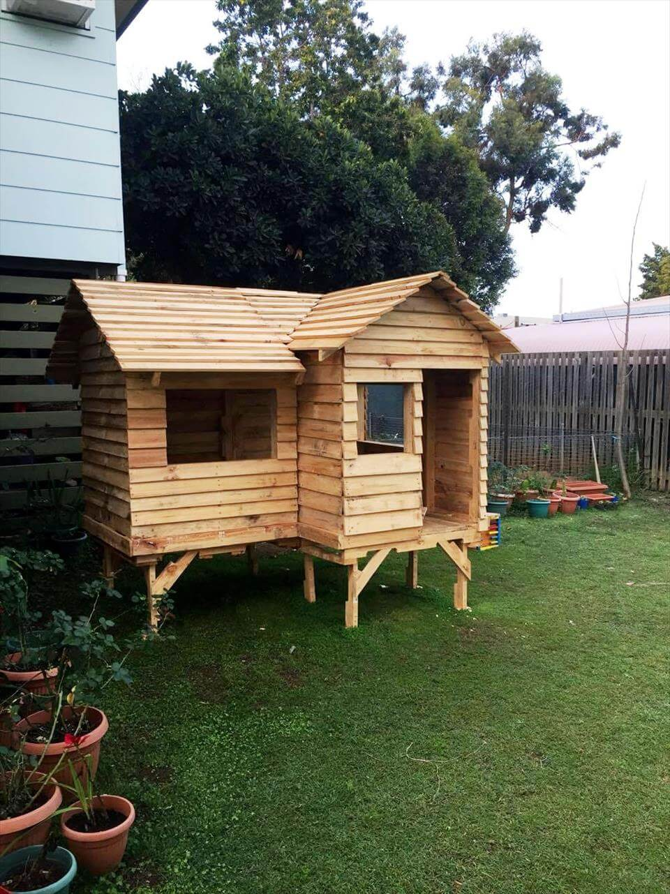 House Made From Pallets Pallet Cubby House