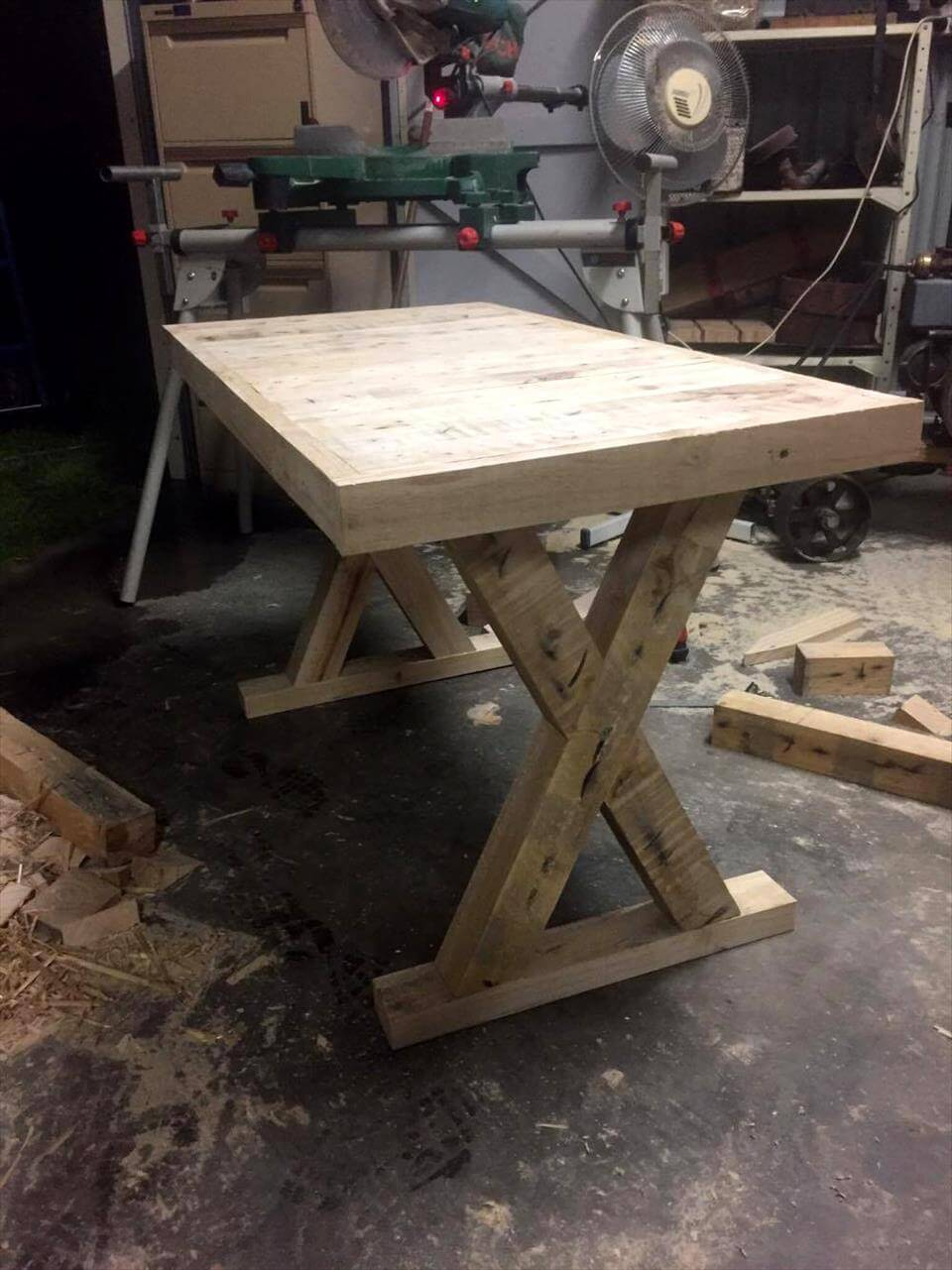 pallet accent table with criss cross legs