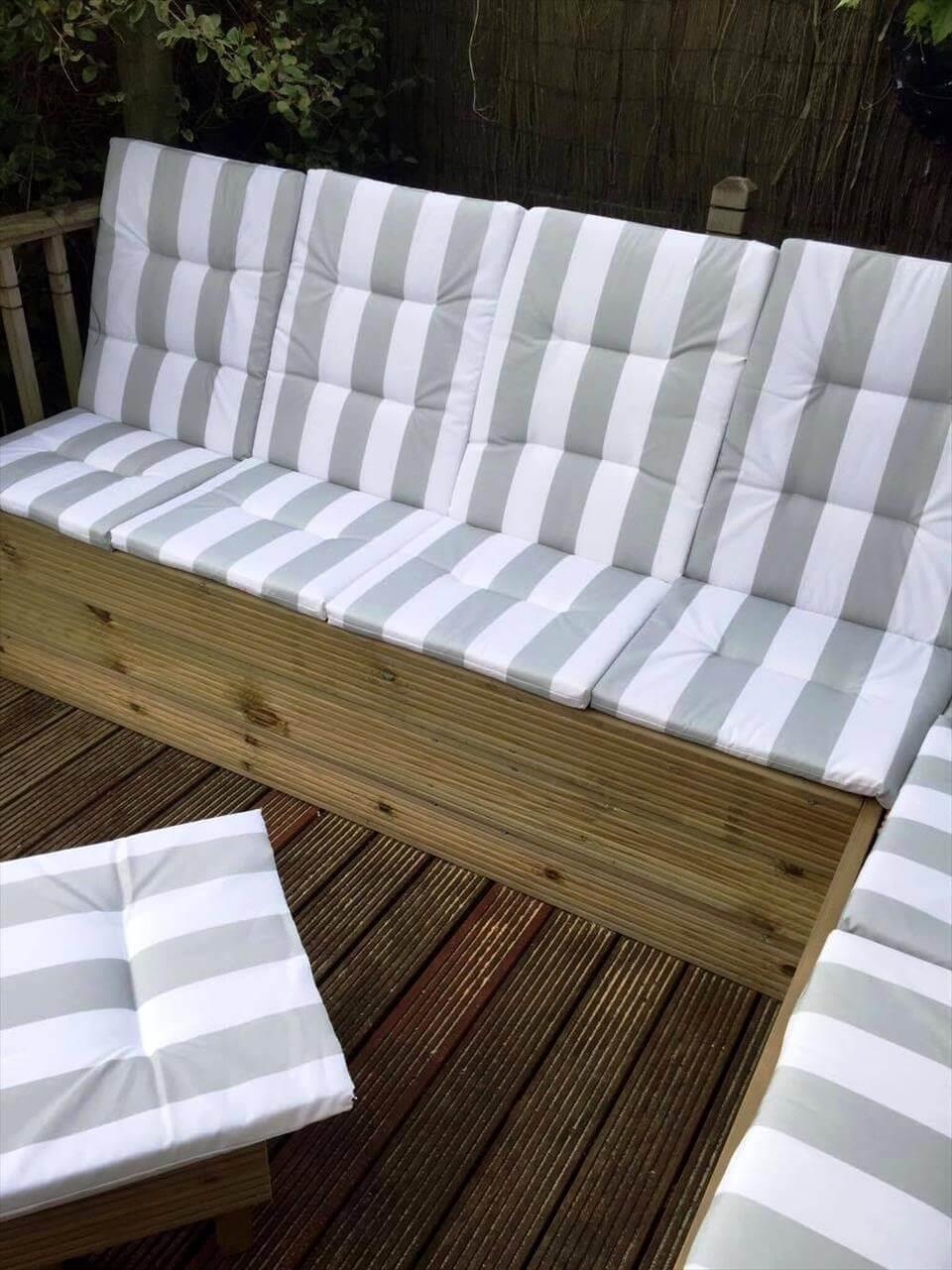 wooden pallet sectional garden sofa