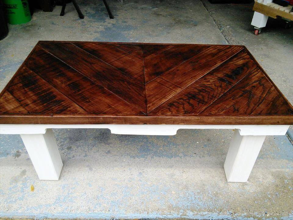 Chevron Pallet Coffee Table chevron pallet coffee table - 101 pallet ideas