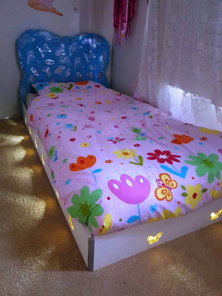 Pallet and Old Wood Toddler Bed with Lights