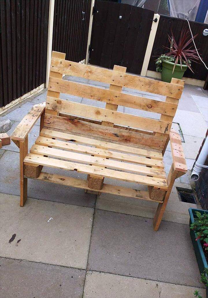 Diy Pallet Bench And Coffee Table