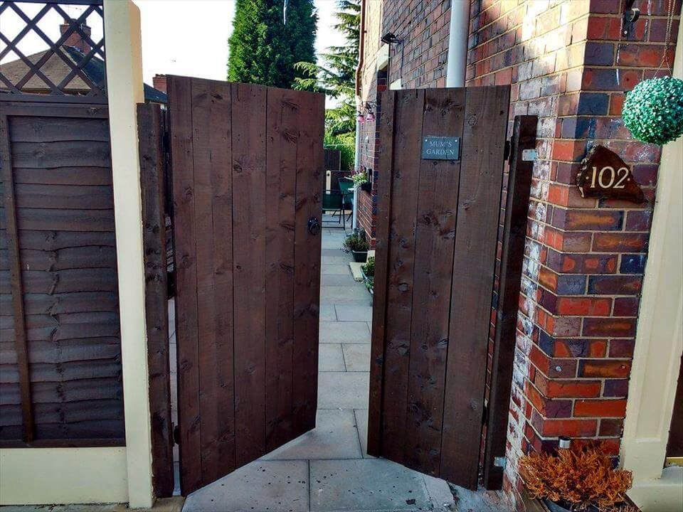 reclaimed wooden pallet double garden gate