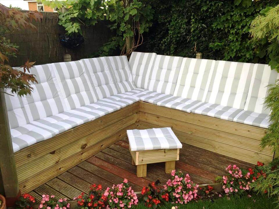 DIY Grey Painted Pallet Terrace Furniture; DIY Upcycled Pallet Sectional  Sofa