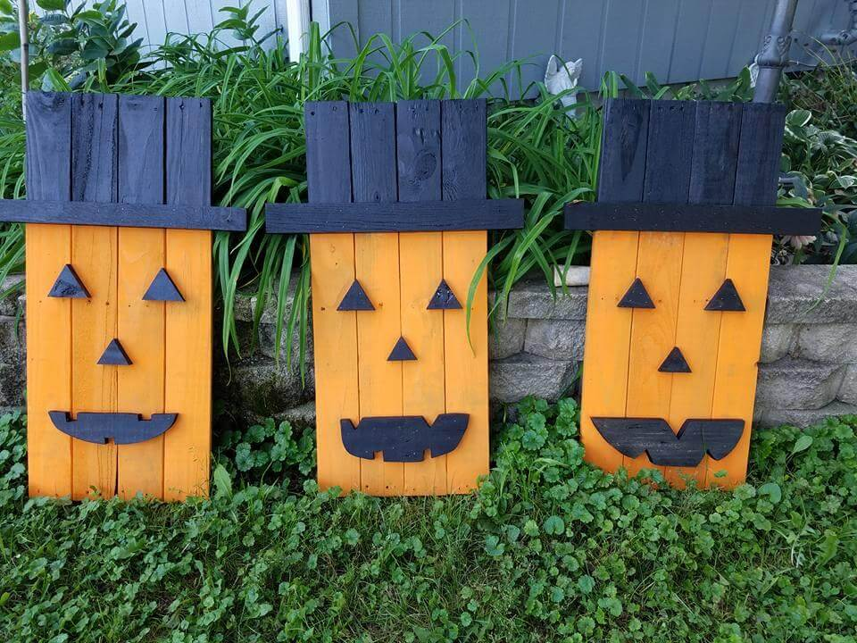 Pallet halloween decoration crafts 101 pallet ideas for Crafts made with pallets