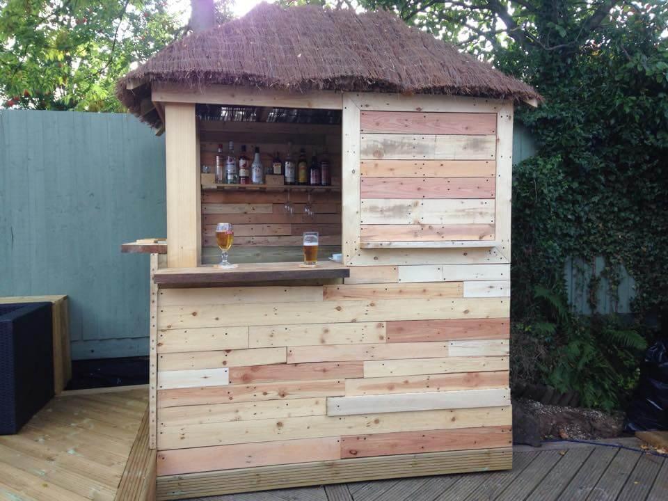 Outdoor pallet bar for Homemade outdoor bar