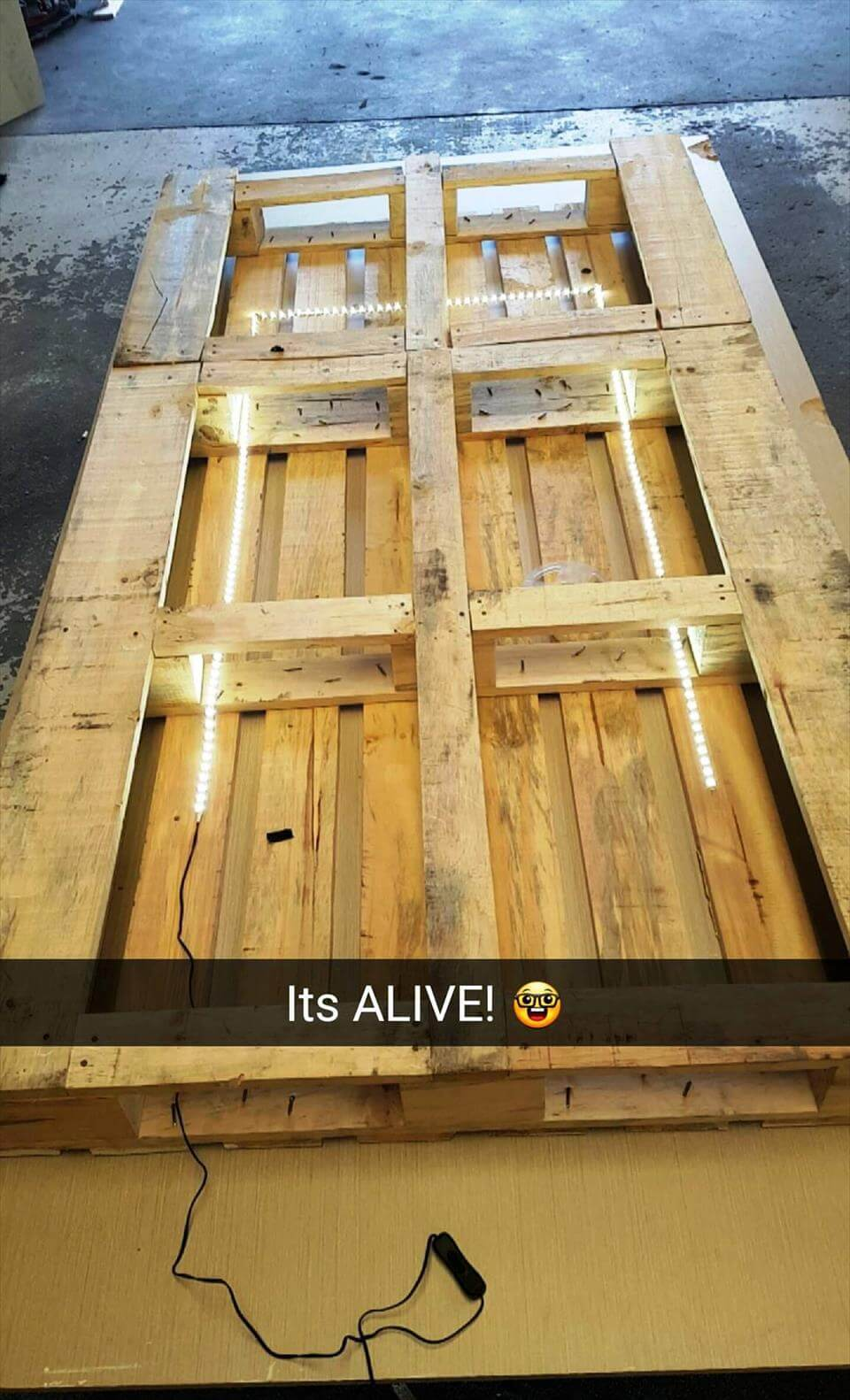 Reclaimed Pallet And Recycled Wood