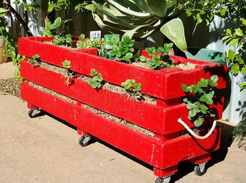 awesome wooden pallet strawberry planter box