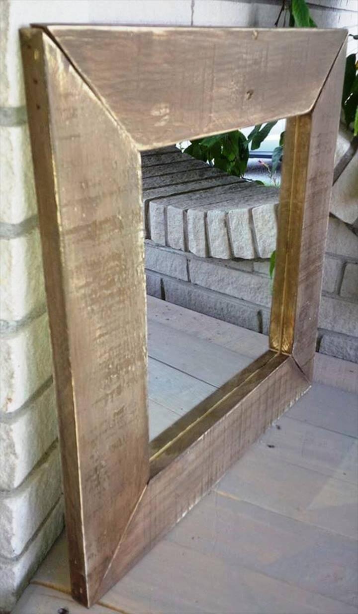 Bathroom jacuzzi ideas - Diy Upcycled Wood Pallet Mirror