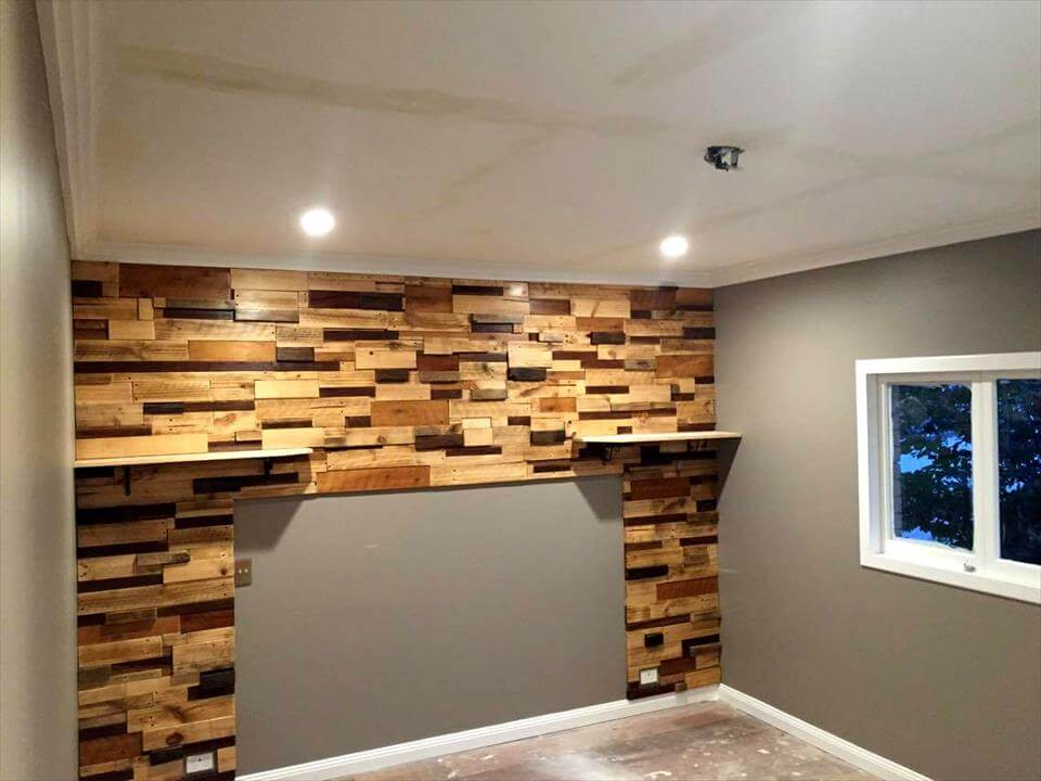 Pallet feature wall - Wooden pallet accent wall ...
