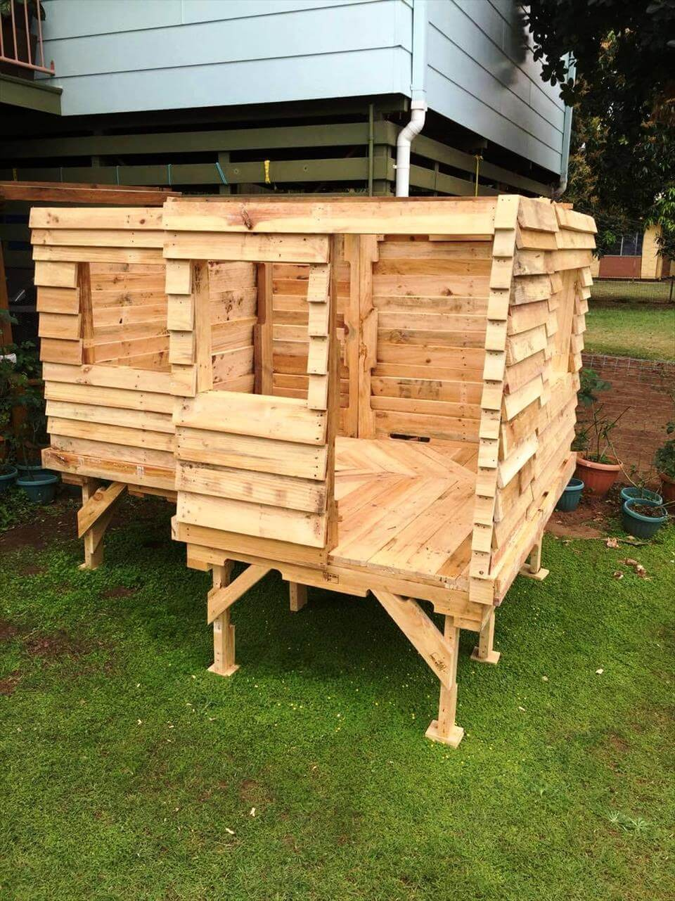 Wood Pallet House Pallet Cubby House