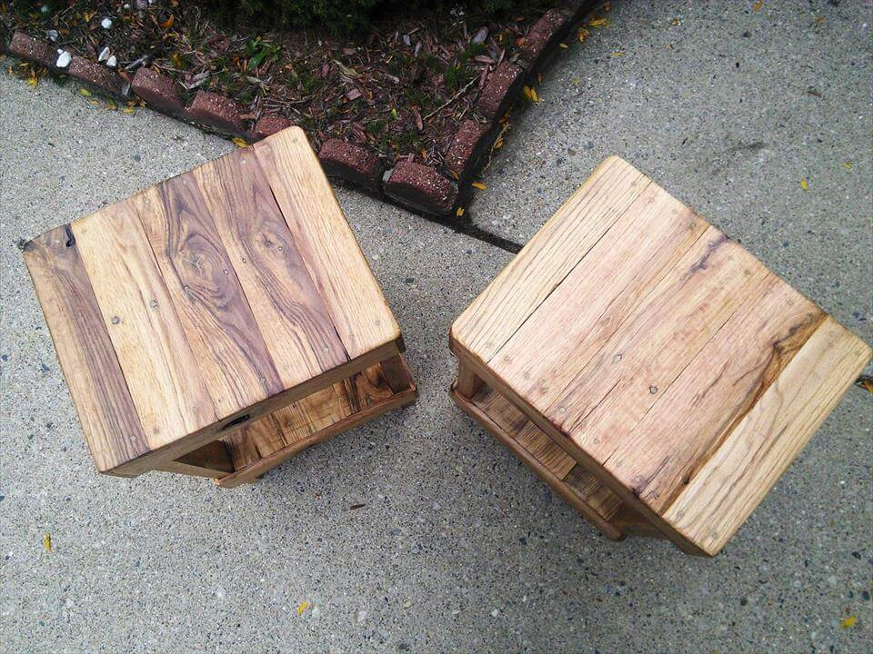 recycled pallet stools
