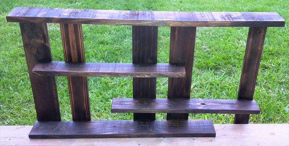 DIY Pallet Bathroom Rack