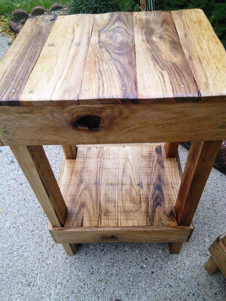 reclaimed pallet stool
