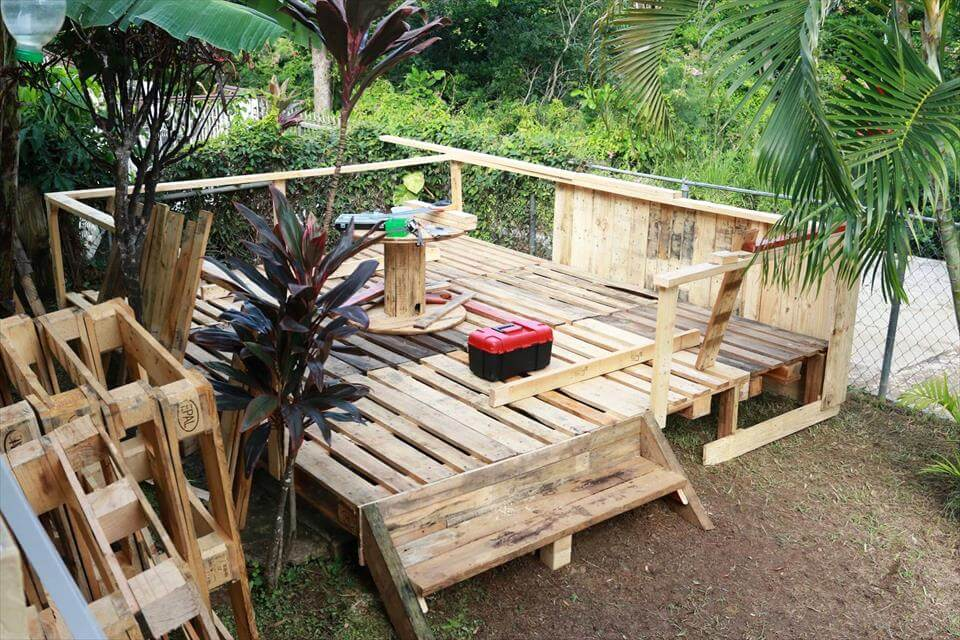 8f5de9bd95c35a4a further Goats as well Diy Fence Table as well Fence Posts besides Cordwood Fence Ideas. on build a pallet fence