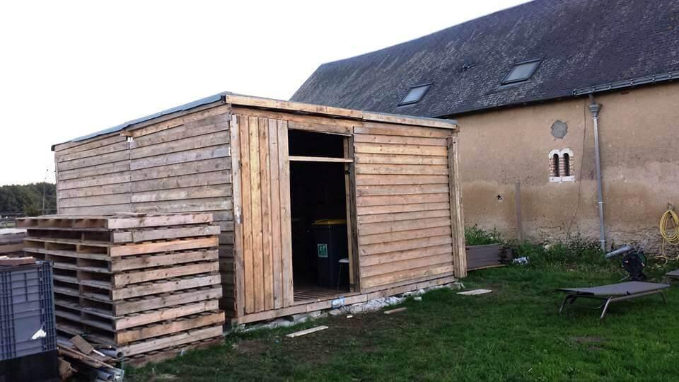 salvaged pallet garden shed
