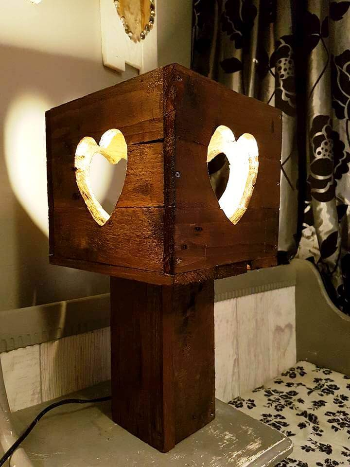Diy Heart Love Pallet Wall Art With Lights 101 Pallet Ideas