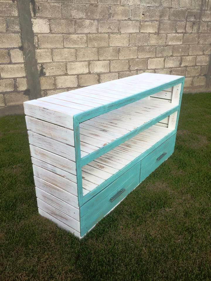 repurposed pallet sideboard