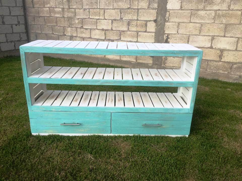 low-cost wooden pallet sideboard