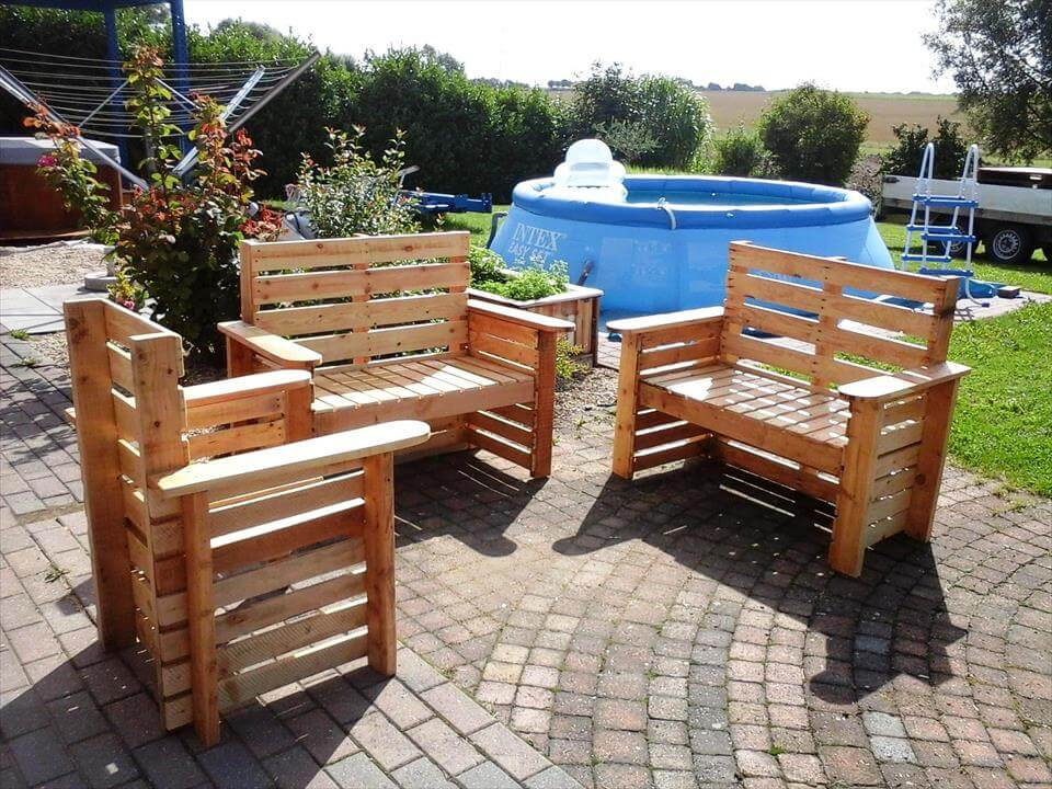 Diy wooden pallet patio furniture set 101 pallet ideas Chairs made out of wooden pallets