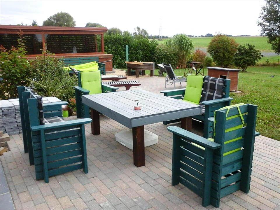 DIY Wooden Pallet Patio Furniture Set