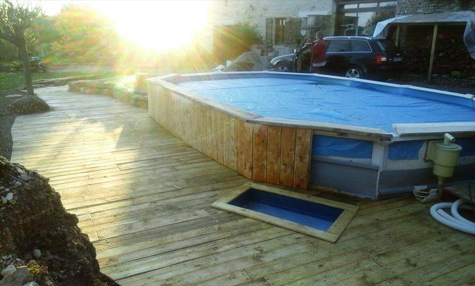 Pallets Around The Swimming Pool 101 Pallet Ideas