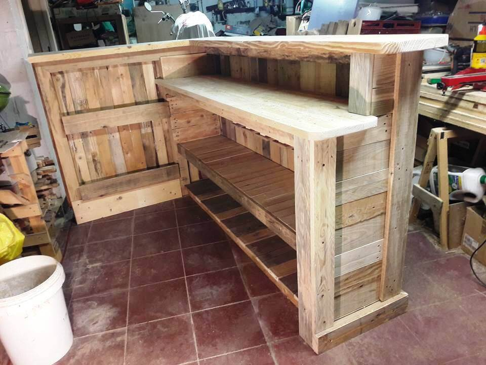 DIY Pallet Bar with Custom Built-in Shelves Wooden Pallet Storage ...