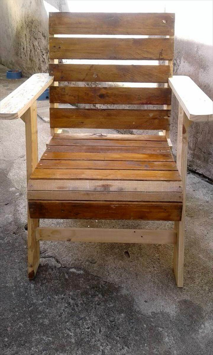 repurposed wooden pallet chair