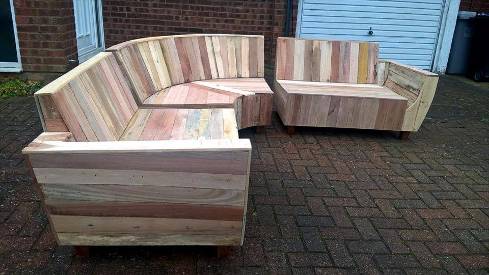 DIY Pallet Sofa With Fancy Curves 101 Ideas