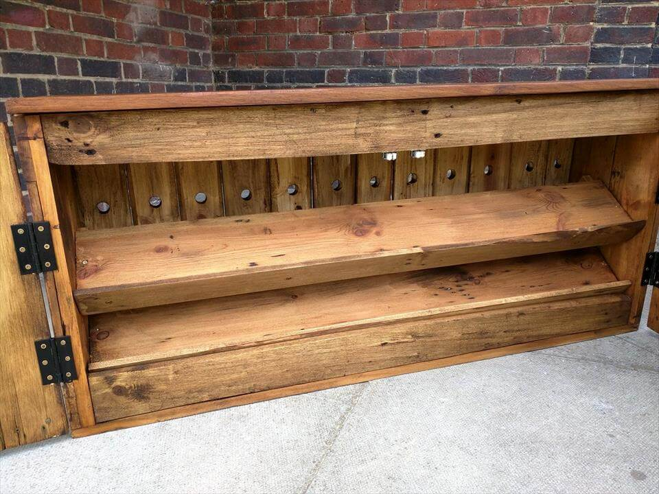 Handcrafted Pallet Shoes Storage Bench